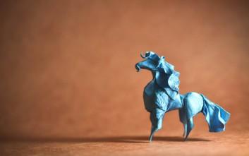 Καλλιτέχνης μετατρέπει χαρτί σε εντυπωσιακά ζώα με την ιαπωνική τέχνη origami