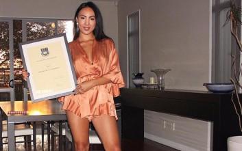 Η 23χρονη επιχειρηματίας που πλούτισε πουλώντας κορσέδες σε διασημότητες