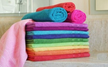 Πώς να «σώσετε» το χρώμα από τις χρωματιστές πετσέτες
