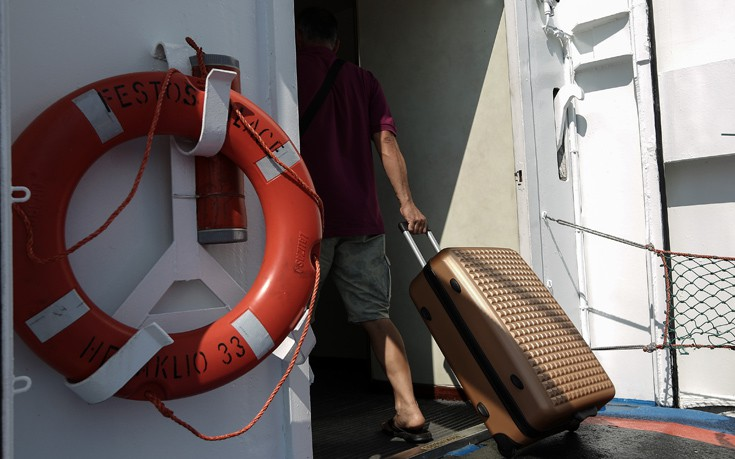 Ταλαιπωρία για 135 επιβάτες που πήγαιναν στην Τήνο
