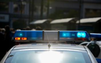Κρατούμενος στο Αστυνομικό Τμήμα Κυψέλης ξήλωσε το παράθυρο και απέδρασε