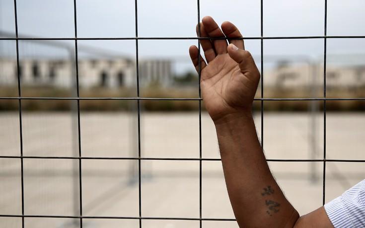 Επτά ανήλικοι πρόσφυγες συνελήφθησαν στον καταυλισμό της Μόριας για τα επεισόδια