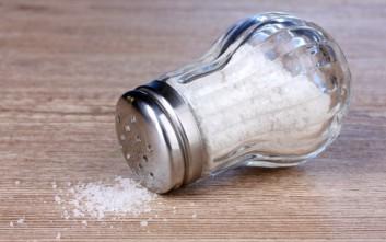 Τι μπορείτε να καθαρίσετε με λίγο αλάτι στο σπίτι