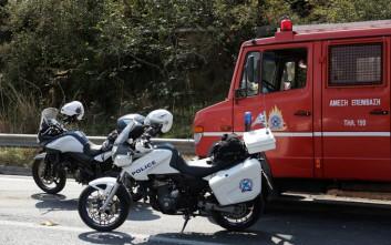 Τρία αυτοκίνητα κάηκαν χθες το βράδυ στον Πειραιά