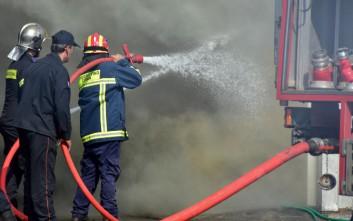 Σε εξέλιξη φωτιά στο Γαλάτσι, μεγάλη κινητοποίηση της πυροσβεστικής