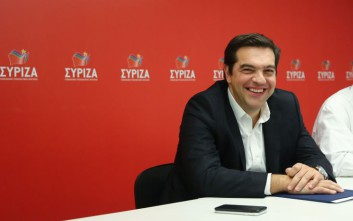 «Αριστερή στροφή» επιχειρεί να κάνει ο Τσίπρας, σύμφωνα με τους Financial Times