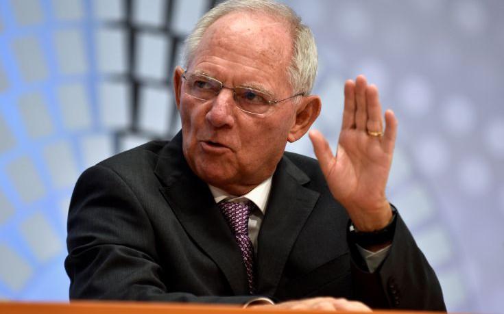 Σόιμπλε: Κανένα πρόβλημα, ας συζητήσουμε για την Ελλάδα στην Bundestag