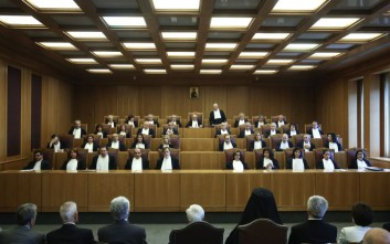Θέμα αρμοδιότητας του ΣτΕ στη συζήτηση για την αναστολή αποχής των συμβολαιογράφων