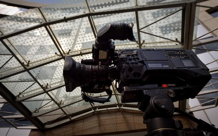 Νέα αναβολή στη συζήτηση για τις τηλεοπτικές άδειες