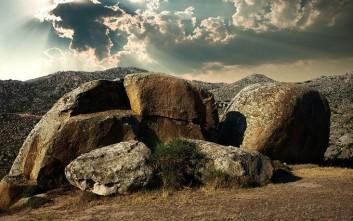 Το ελληνικό χωριό της «μάχης των Τιτάνων και των Γιγάντων»