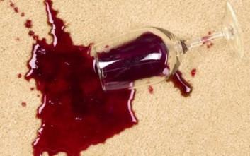 Πώς θα φύγει ο λεκές από κρασί