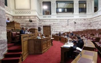 Στη Βουλή διαβιβάστηκε μήνυση για τη φονική φωτιά στο Μάτι