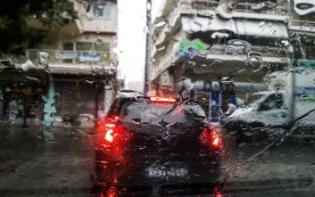 Μοτοσικλετιστής στη Θεσσαλονίκη σκοτώθηκε όταν έπεσε σε καταιγίδα