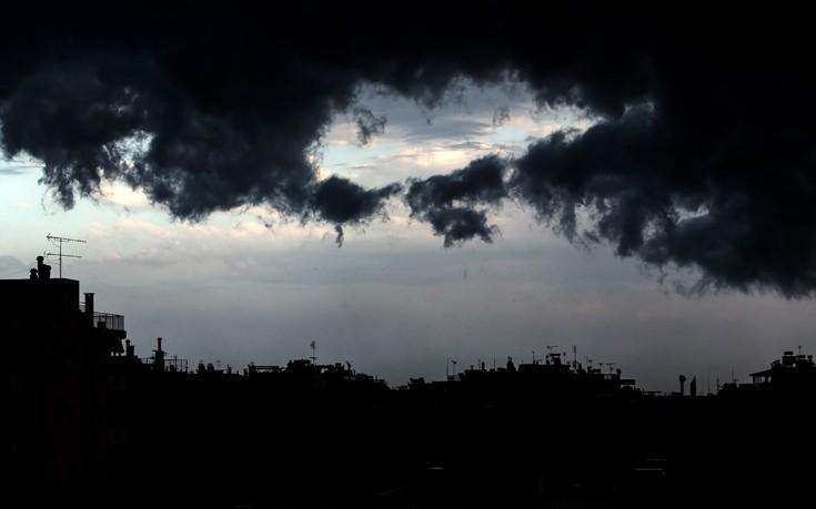 Έκτακτο δελτίο επιδείνωσης καιρού για τον τροπικό κυκλώνα που θα σαρώσει Πελοπόννησο και Κρήτη