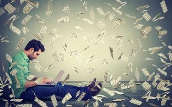 Δεκατέσσερα αντικείμενα «πρώτης ανάγκης» που αγοράζεις μόλις κερδίσεις το Τζόκερ