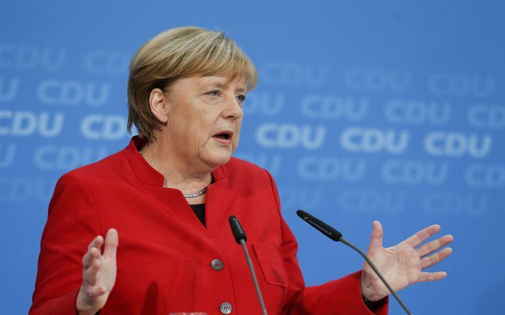 Σταθερό το δημοσκοπικό προβάδισμα για το κόμμα της Μέρκελ