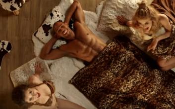 Πρώην πορνοστάρ στο spot του Jumbo για τα Χριστούγεννα