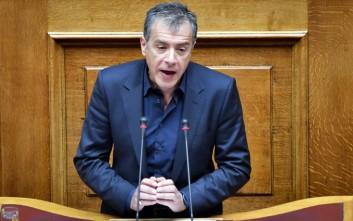Ο Θεοδωράκης δεν διεκδικεί την ηγεσία της ΔΗΣΥ διευκρινίζουν από το Ποτάμι