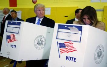 Ψήφισε στη Νέα Υόρκη ο Τραμπ εν μέσω αποδοκιμασιών και χειροκροτημάτων