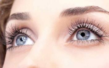 Τι μπορεί να αποκαλύψει το χρώμα των ματιών μιας γυναίκας