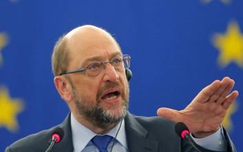 Σουλτς καταγγέλλει Λεπέν για κυνισμό και αντιγερμανικές δηλώσεις