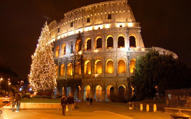 RomeChristmasEventsColosseumTree