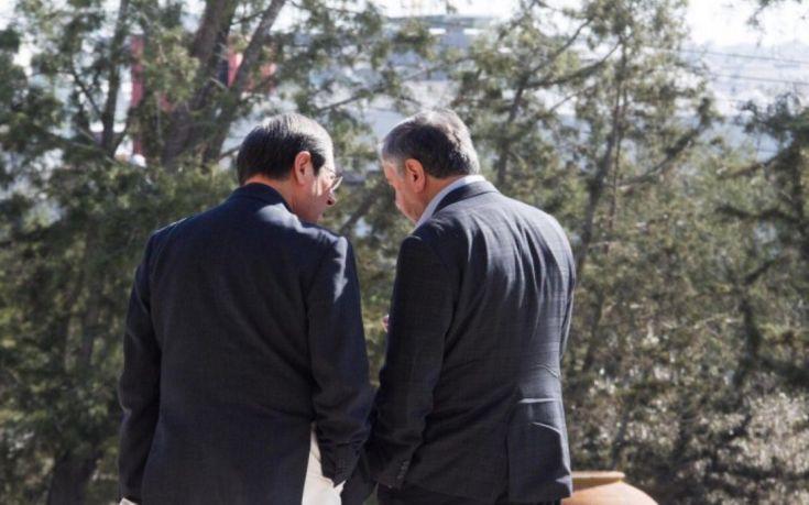 Ξεκίνησε η συζήτηση Αναστασιάδη-Ακιντζί