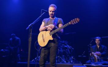 Με τραγούδι-μήνυμα ξεκίνησε τη συναυλία του στο Μπατακλάν ο Sting