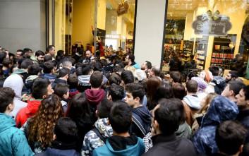 Πρωτοφανείς εικόνες για τα ελληνικά δεδομένα από τη Black Friday
