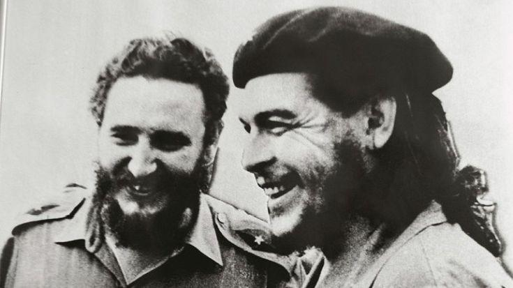 Το φωτογραφικό άλμπουμ της ζωής του Φιντέλ Κάστρο