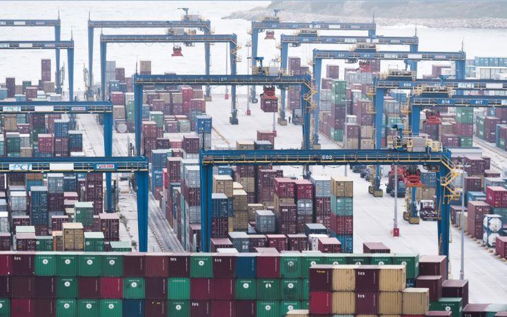 Bloomberg: Ο Πειραιάς θα γίνει το νούμερο ένα λιμάνι της Μεσογείου και της Ευρώπης