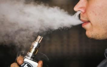 Νέα έρευνα για το ηλεκτρονικό τσιγάρο και τις επιπτώσεις στα πνευμόνια
