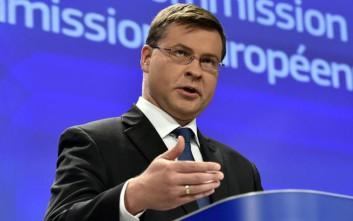 Ντομπρόβσκις: Η Ιταλία αμφισβητεί ανοικτά τους κανόνες της Ε.Ε.