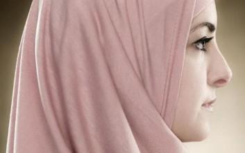Τέλος η ισλαμική μαντίλα στα πρωτοβάθμια σχολεία της Αυστρίας