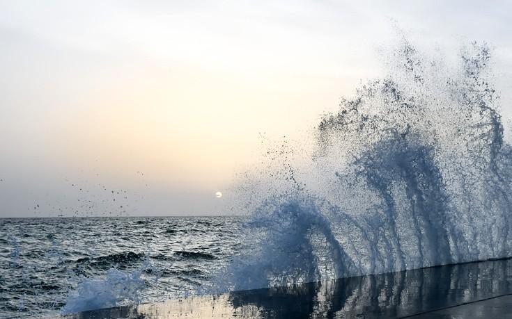 Ραγδαία αλλαγή του καιρού με θυελλώδεις ανέμους από το βράδυ