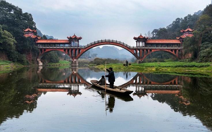 Θρυλικός φωτογράφος αποτυπώνει στο φακό του την πεμπτουσία του ταξιδιού
