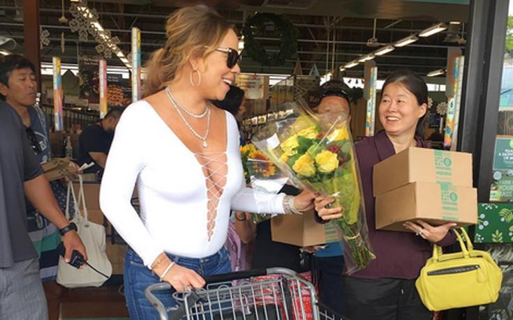 Έτσι πάει στο μανάβικο για ψώνια η Mariah Carey