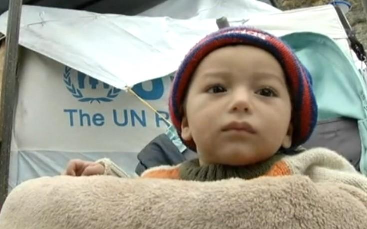 Πρόσφυγες εγκλωβισμένοι στα λασπόνερα