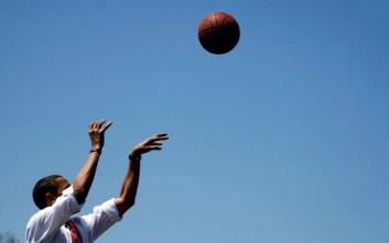 Μπάσκετ για τον Ομπάμα την ημέρα των εκλογών