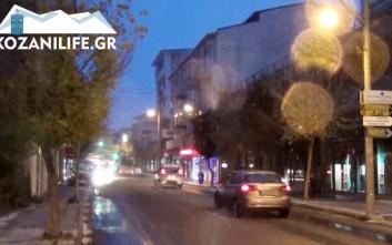 Ξεκίνησε η χιονόπτωση από τα χαράματα στην πόλη της Κοζάνης