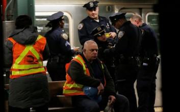 Απείλησε να κόψει τον λαιμό γυναίκας αστυνομικού επειδή ήταν μουσουλμάνα