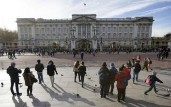 Άνδρας με τέιζερ συνελήφθη μπροστά από το παλάτι του Μπάκιγχαμ