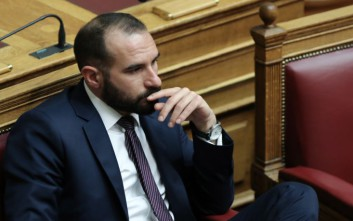 Τζανακόπουλος: Πρακτικές ομηρίας του παρελθόντος στο θέμα των συμβασιούχων