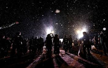 Εντυπωσιακοί οι εορτασμοί για το 2017 σε Κίνα και Ιαπωνία