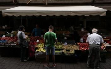 Δέσμευση φρούτων αγνώστου προελεύσεως σε επιχείρηση του Ρέντη