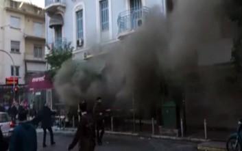 Έκρηξη σε κατάστημα εστίασης στην πλατεία Βικτωρίας