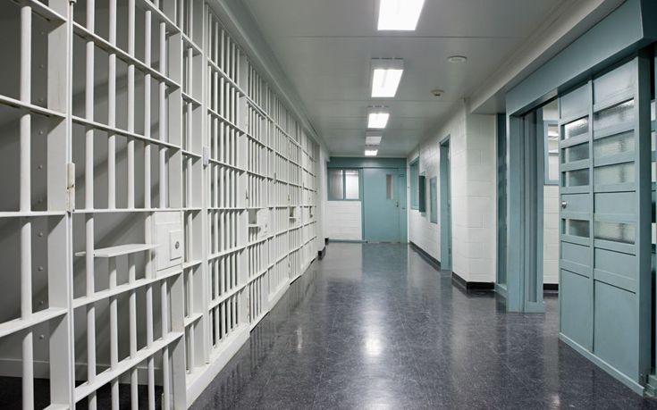 Επιβαρυντική για τη σωματική και ψυχική υγεία η φυλάκιση ανηλίκων