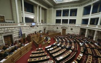 «Πράσινο» από τις επιτροπές στο νομοσχέδιο για το κοινωνικό μέρισμα