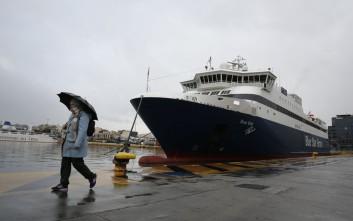 Έπεσαν οι άνεμοι, κανονικά τα δρομολόγια πλοίων από Πειραιά