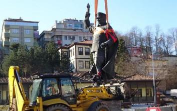 Κόντρες στην Τουρκία για την απομάκρυνση του αγάλματος του Κεμάλ στην πόλη Ρίζε